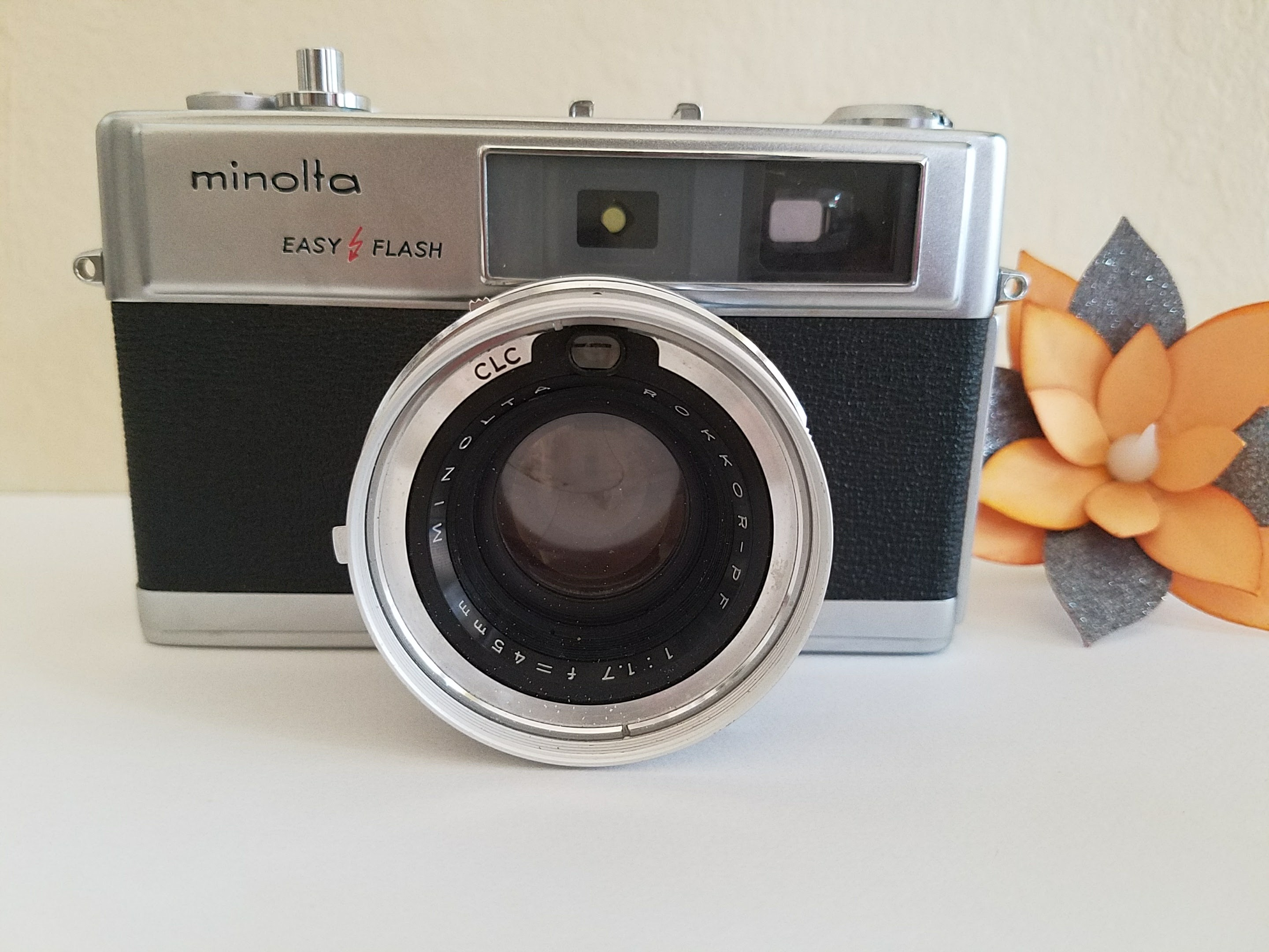 Minolta Hi-Matic 9 Camera